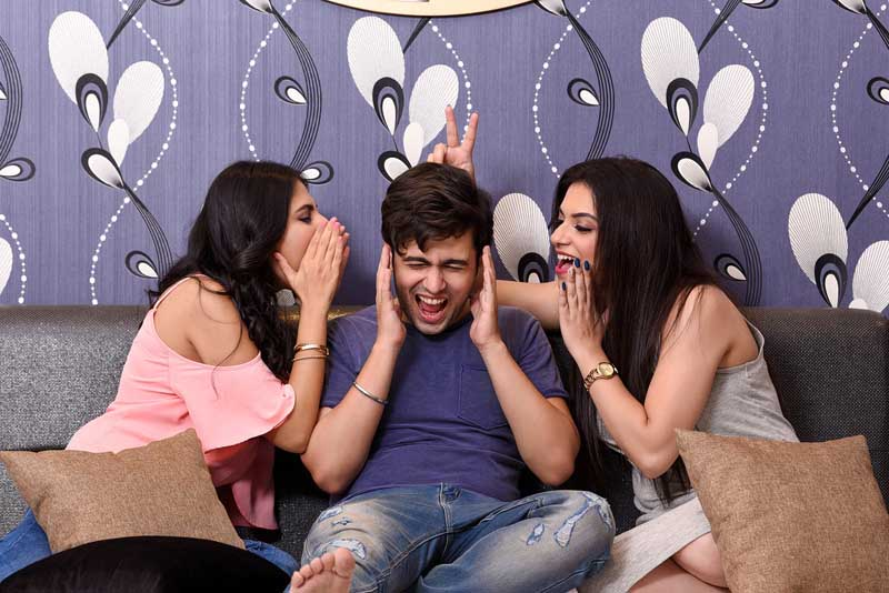 What is a polyamorous throuple relationship