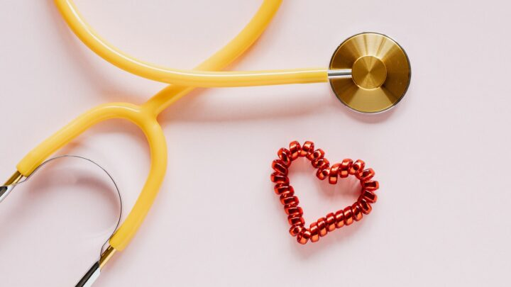 Dating a doctor – How to survive dating a doctor?